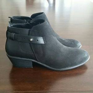 Size 6 Old Navy Booties
